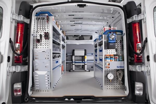 Equipamientos y accesorios interiores furgoneta Carrocerias Zumaia Bilbao (3)